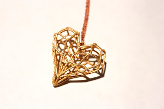 Golden_Cage_Heart_Pendant
